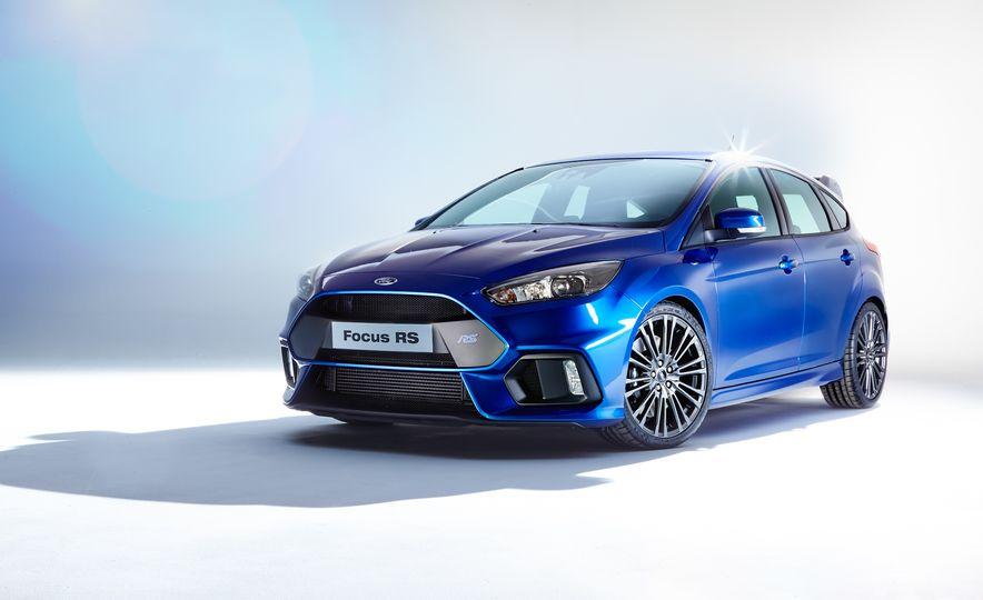 2016 Ford Focus RS - Slide 1