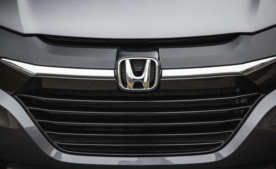 2016 Honda HR-V - Slide 18