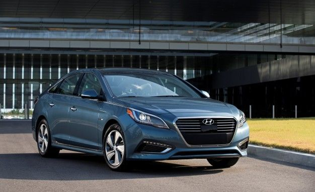 Hyundai Sonata Plug-in Hybrid Priced, Offers 27 Miles of EV Range