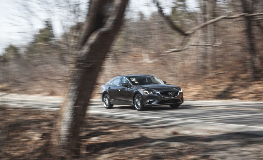 2016 Mazda 6 i Grand Touring - Slide 1