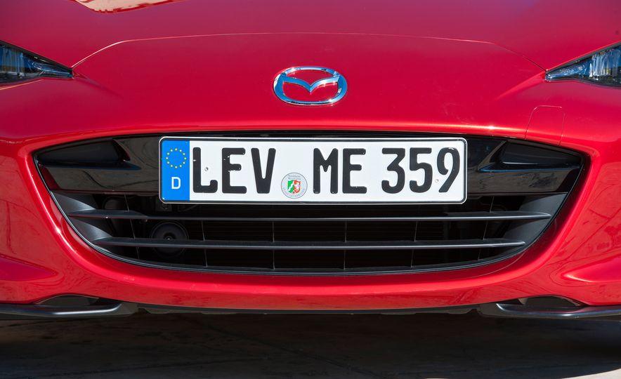 2016 Mazda MX-5 Miata (Euro-spec) - Slide 30
