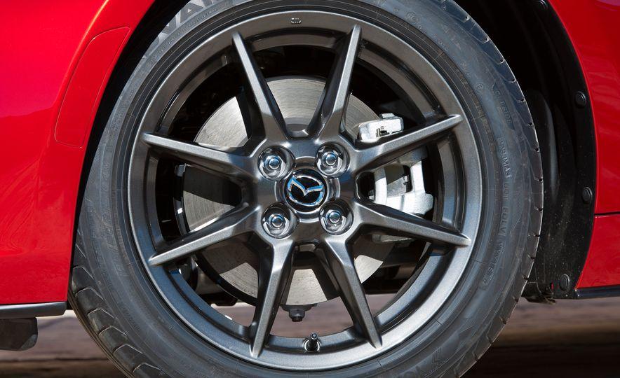 2016 Mazda MX-5 Miata (Euro-spec) - Slide 31
