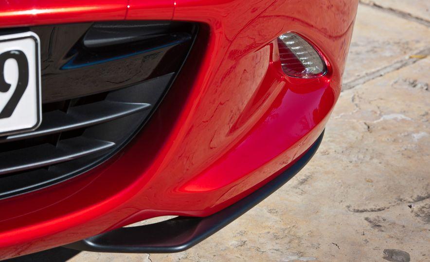 2016 Mazda MX-5 Miata (Euro-spec) - Slide 33