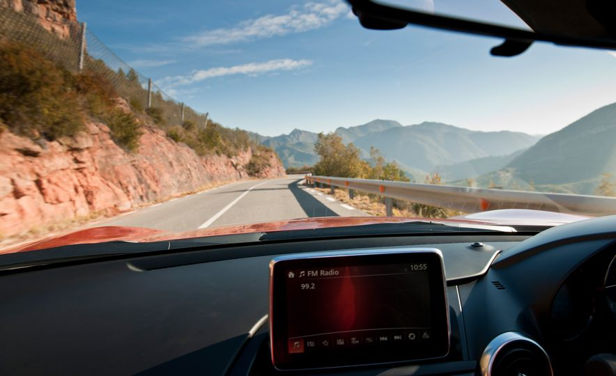 2016 Mazda MX-5 Miata (Euro-spec) - Slide 42