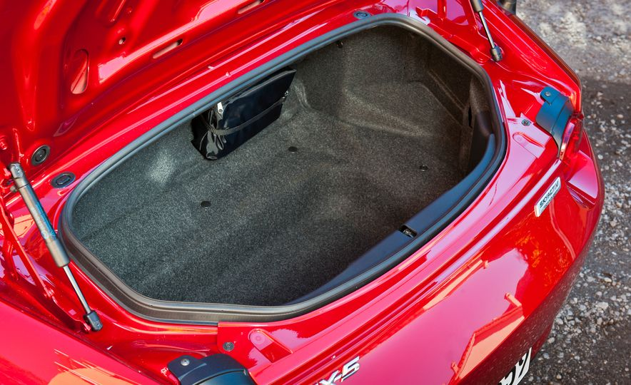 2016 Mazda MX-5 Miata (Euro-spec) - Slide 54
