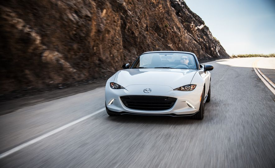 2016 Mazda MX-5 Miata Club - Slide 17
