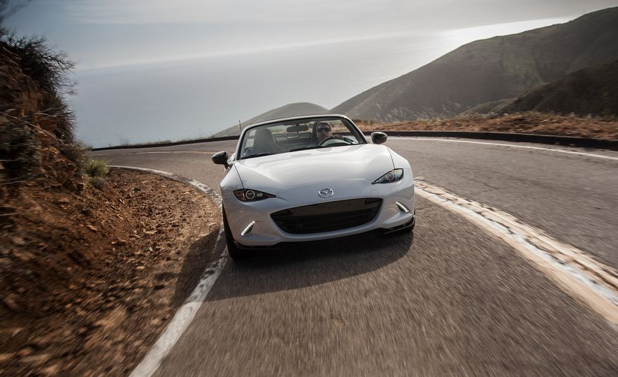 2016 Mazda MX-5 Miata Club - Slide 18