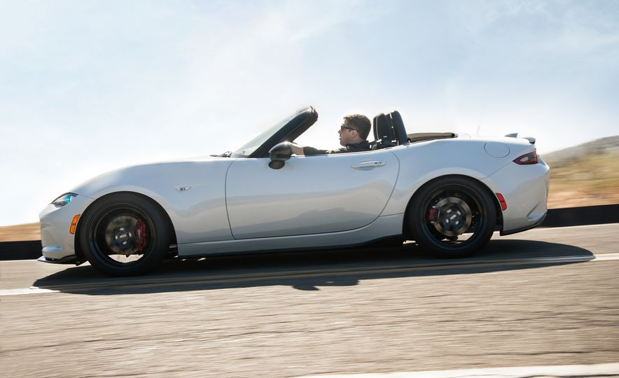 2016 Mazda MX-5 Miata Club - Slide 19