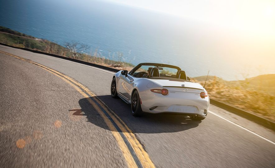 2016 Mazda MX-5 Miata Club - Slide 20