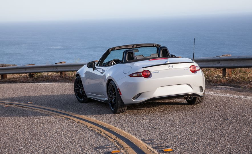 2016 Mazda MX-5 Miata Club - Slide 25