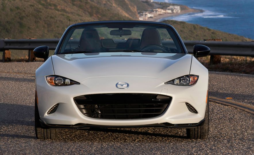 2016 Mazda MX-5 Miata Club - Slide 26