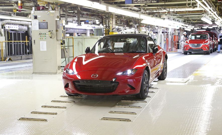 2016 Mazda MX-5 Miata (JDM-spec) - Slide 2
