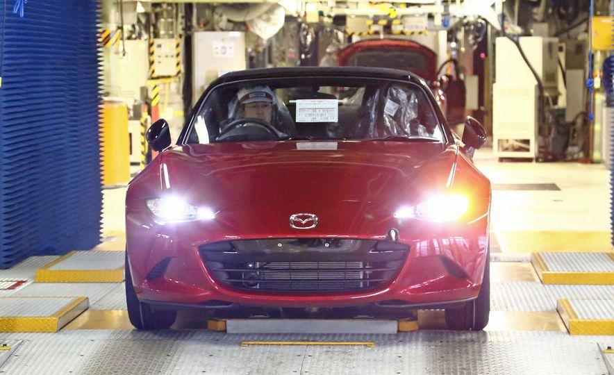 2016 Mazda MX-5 Miata (JDM-spec) - Slide 3