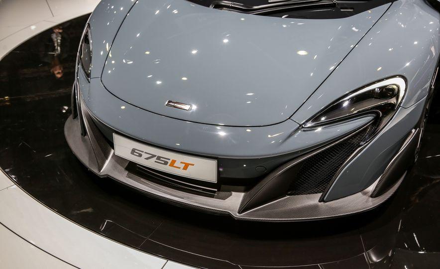 2016 McLaren 675LT - Slide 16