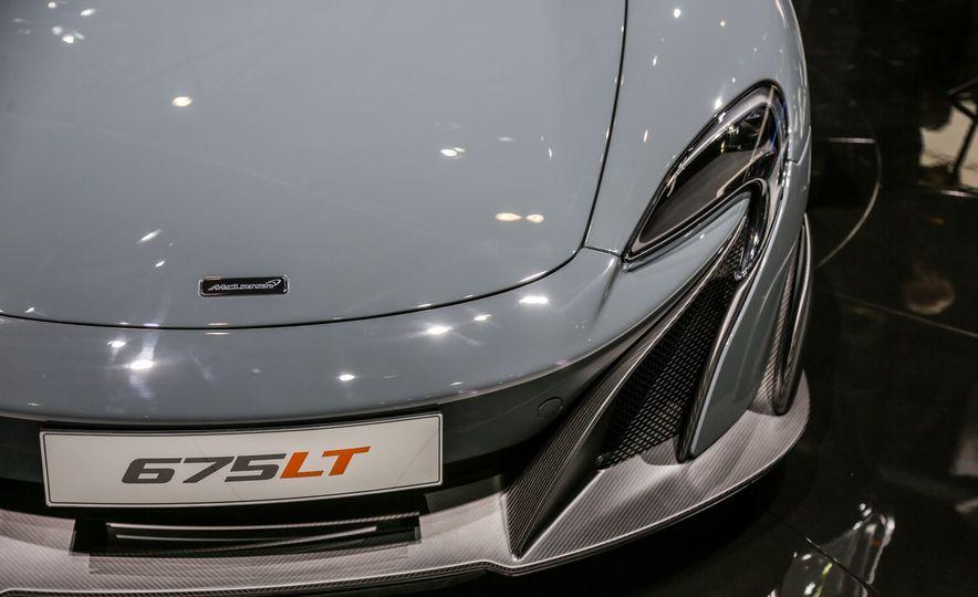 2016 McLaren 675LT - Slide 20