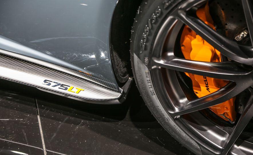 2016 McLaren 675LT - Slide 33