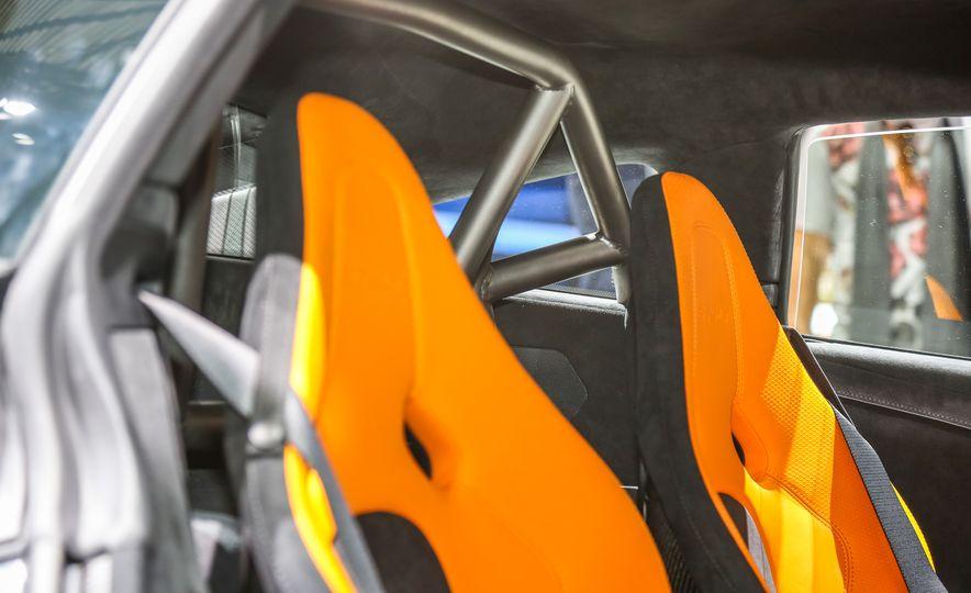 2016 McLaren 675LT - Slide 44