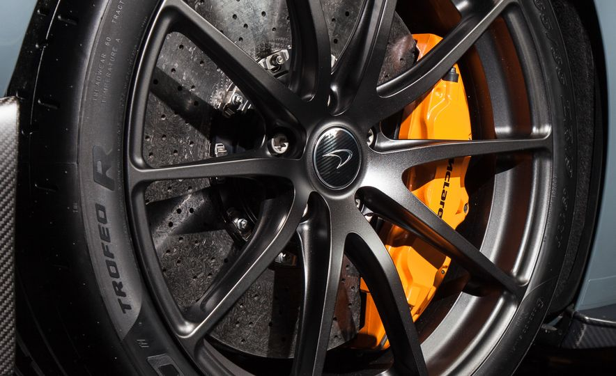2016 McLaren 675LT - Slide 52