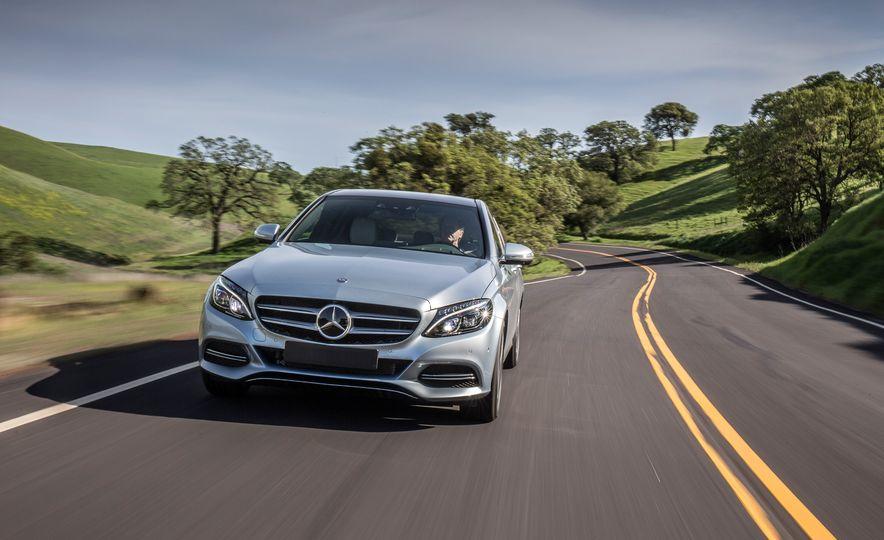 2016 Mercedes-Benz C350e plug-in hybrid - Slide 11