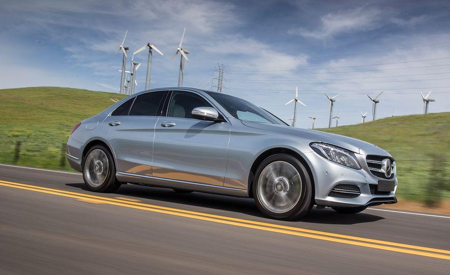 2016 Mercedes-Benz C350e plug-in hybrid - Slide 12
