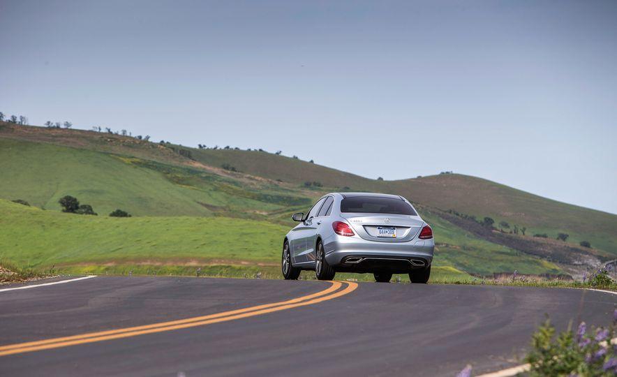 2016 Mercedes-Benz C350e plug-in hybrid - Slide 14