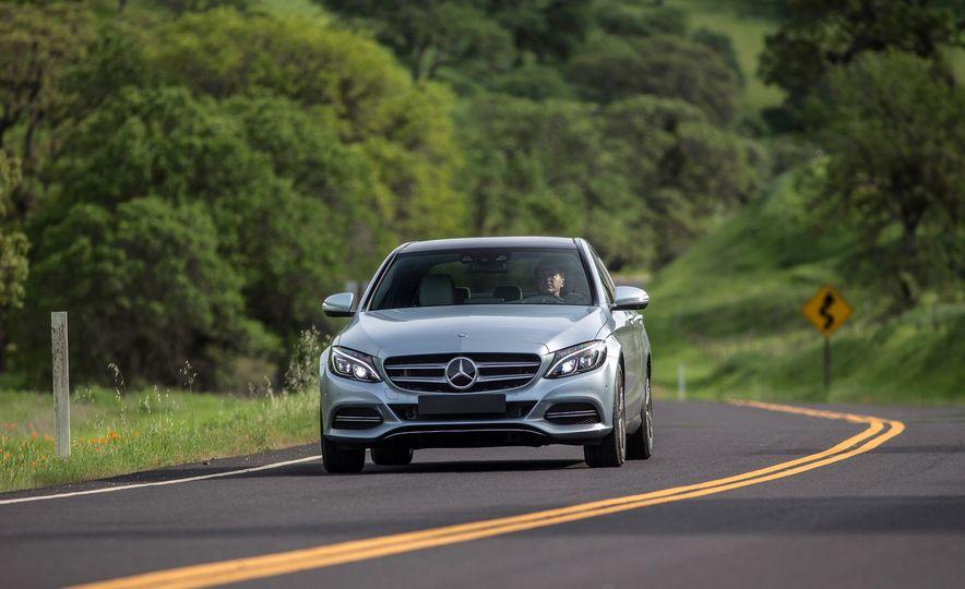 2016 Mercedes-Benz C350e plug-in hybrid - Slide 17
