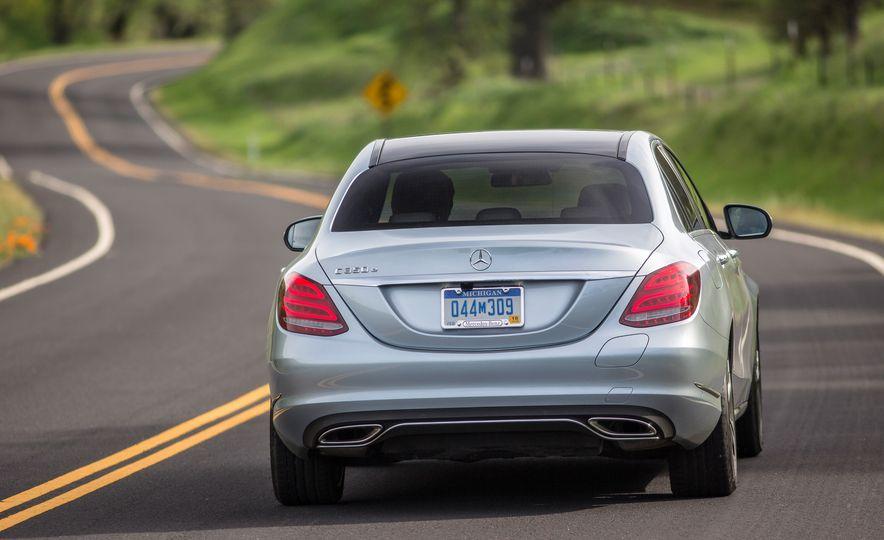 2016 Mercedes-Benz C350e plug-in hybrid - Slide 18
