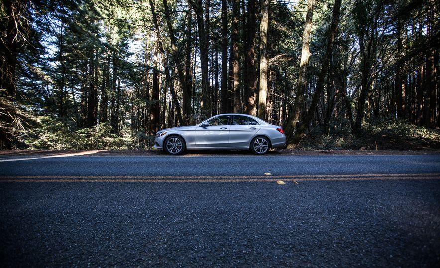 2016 Mercedes-Benz C350e plug-in hybrid - Slide 26