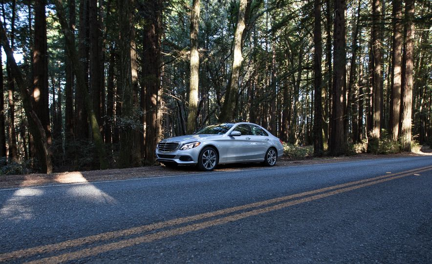 2016 Mercedes-Benz C350e plug-in hybrid - Slide 27