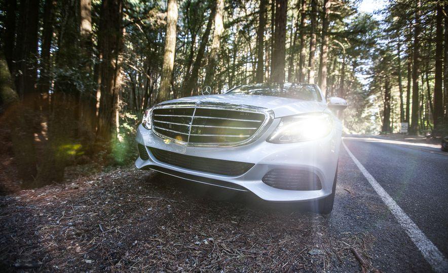 2016 Mercedes-Benz C350e plug-in hybrid - Slide 28