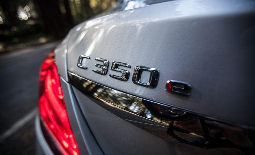 2016 Mercedes-Benz C350e plug-in hybrid - Slide 29