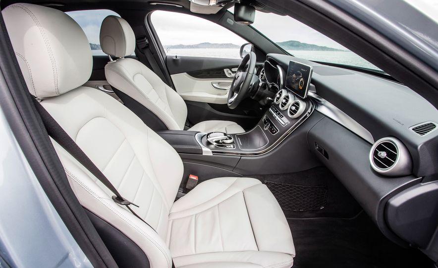 2016 Mercedes-Benz C350e plug-in hybrid - Slide 30