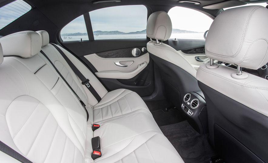 2016 Mercedes-Benz C350e plug-in hybrid - Slide 31