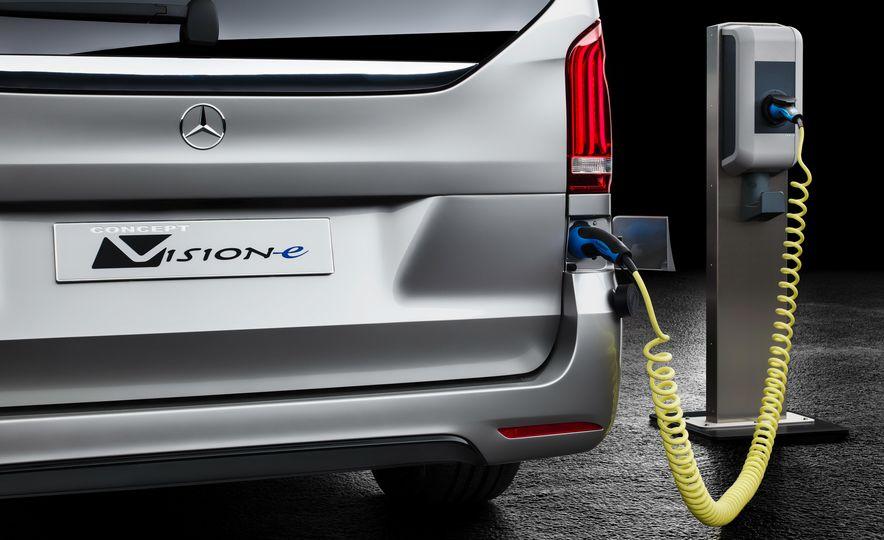 2016 Mercedes-Benz Concept V-ision e - Slide 5