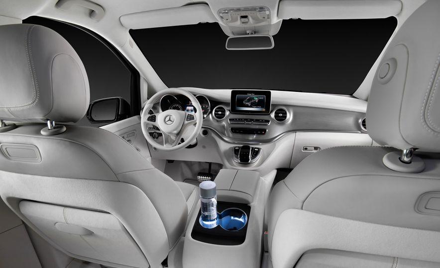 2016 Mercedes-Benz Concept V-ision e - Slide 6