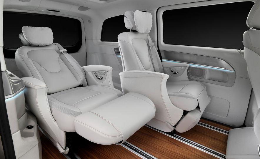 2016 Mercedes-Benz Concept V-ision e - Slide 10