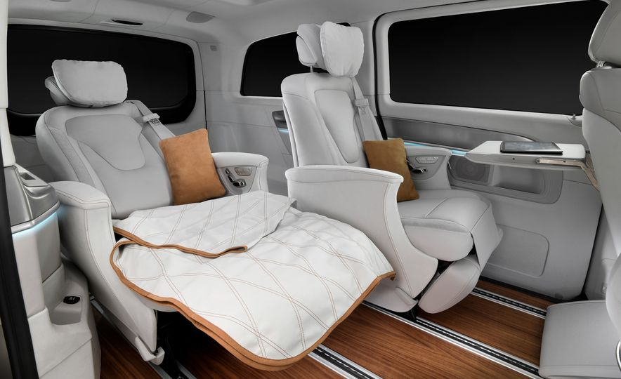 2016 Mercedes-Benz Concept V-ision e - Slide 11