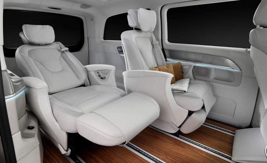 2016 Mercedes-Benz Concept V-ision e - Slide 12