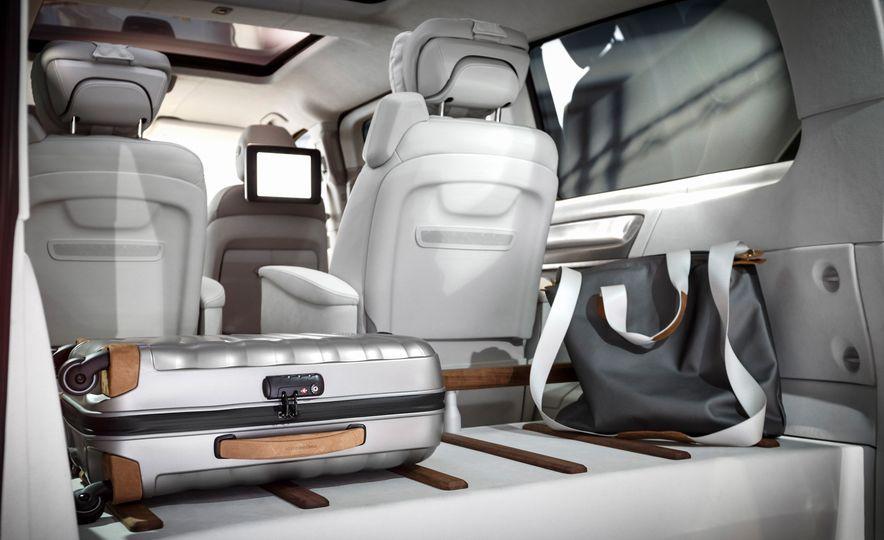2016 Mercedes-Benz Concept V-ision e - Slide 14
