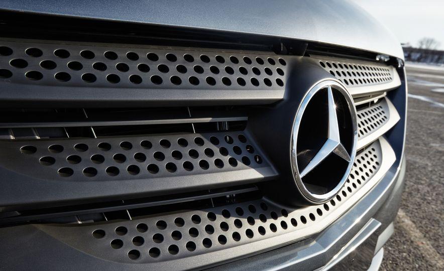 2016 Mercedes-Benz Metris - Slide 14