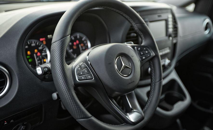 2016 Mercedes-Benz Metris - Slide 55