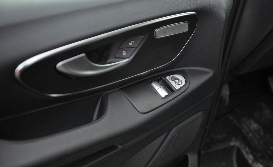 2016 Mercedes-Benz Metris - Slide 56