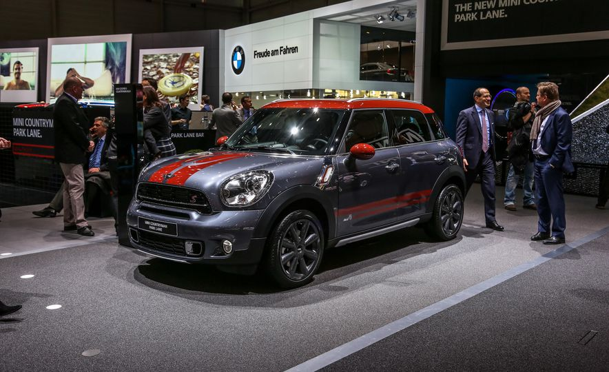 2016 Mini Cooper Countryman Park Lane - Slide 1
