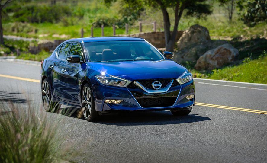 2016 Nissan Maxima - Slide 2