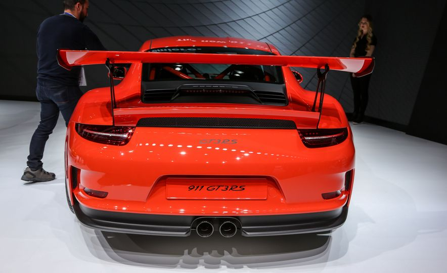 2016 Porsche 911 GT3 RS - Slide 9