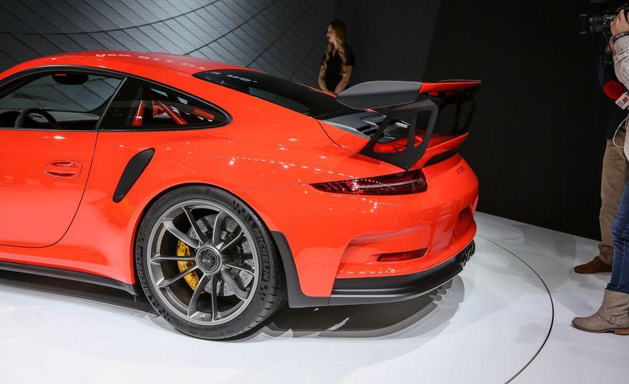 2016 Porsche 911 GT3 RS - Slide 17