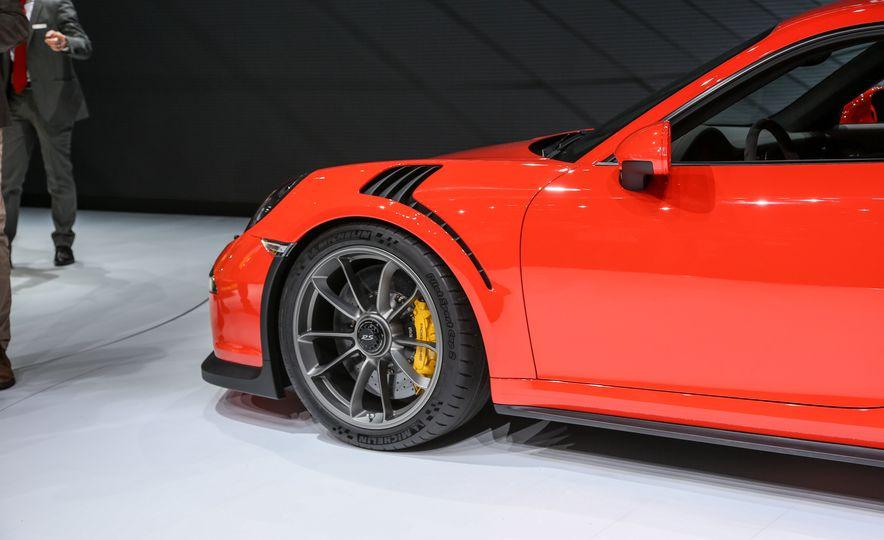 2016 Porsche 911 GT3 RS - Slide 21