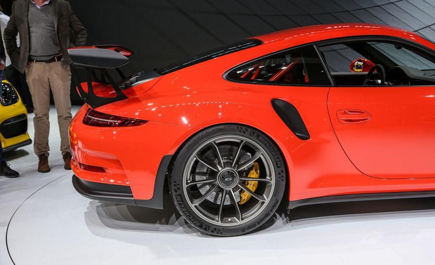 2016 Porsche 911 GT3 RS - Slide 23