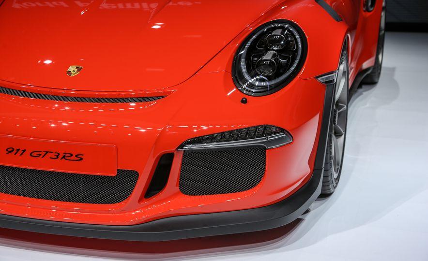 2016 Porsche 911 GT3 RS - Slide 24