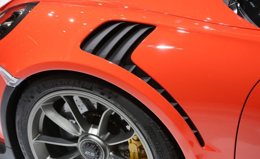 2016 Porsche 911 GT3 RS - Slide 27